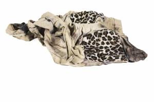 Jordiana_calças-de-ganga-bolsos-leopardo